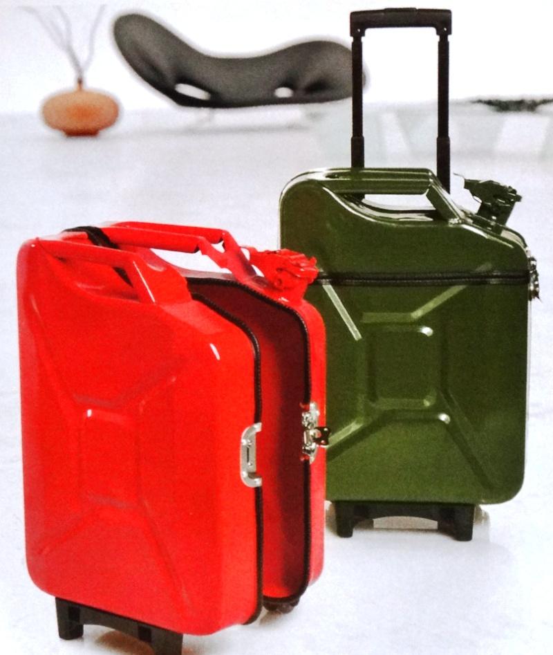 Больше ЛМК в России www.steelbuildings.ru Фото из отпуска - вот такие чемоданы (только в виде сэндвич-панелей) стоит выпускать Металл Профилю и раздавать своим сотрудникам для поездок.